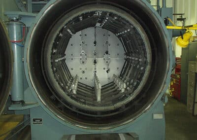 Industrieofen mit Vakuum-Heizkammer